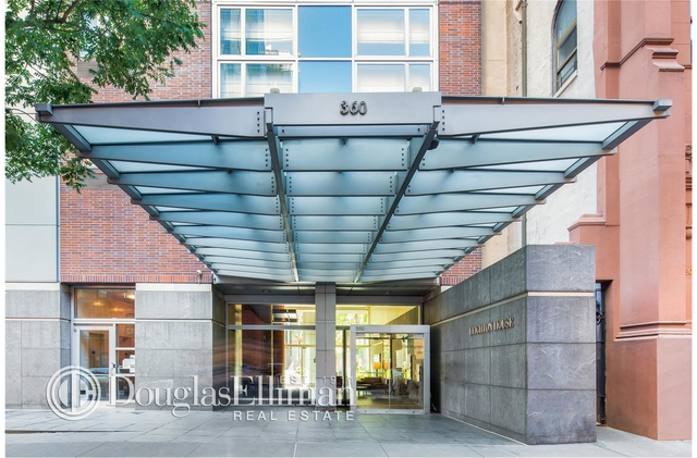 Studio, Yorkville Rental in NYC for $2,595 - Photo 2