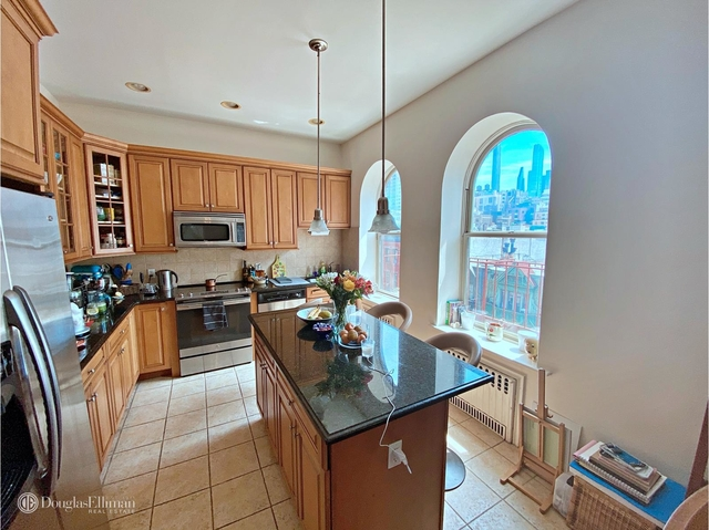3 Bedrooms, Lincoln Square Rental in NYC for $6,325 - Photo 2