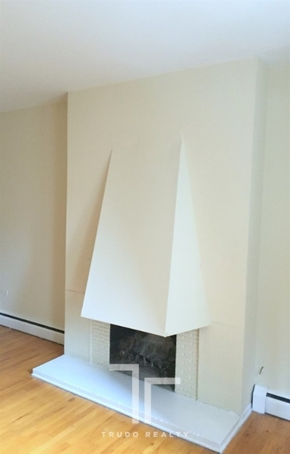 1 Bedroom, Gold Coast Rental in Chicago, IL for $1,740 - Photo 2