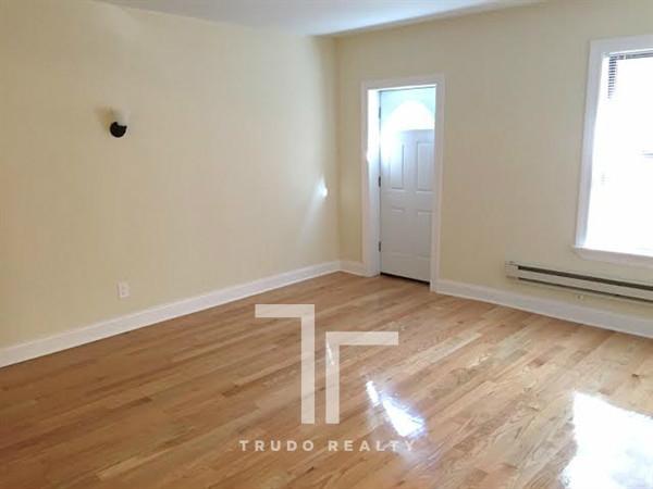 Studio, Gold Coast Rental in Chicago, IL for $1,295 - Photo 1
