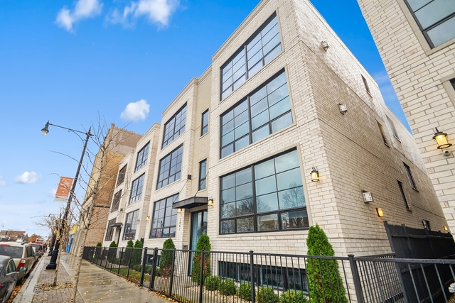 2 Bedrooms, Horner Park Rental in Chicago, IL for $2,500 - Photo 1