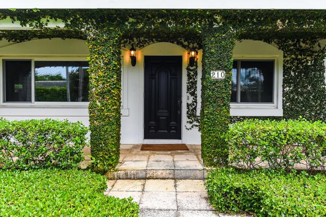 4 Bedrooms, Esplanade Estates Rental in Miami, FL for $15,000 - Photo 2
