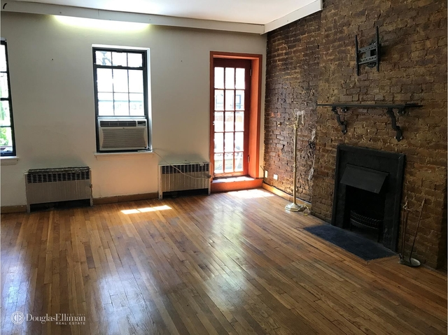 2 Bedrooms, Turtle Bay Rental in NYC for $3,195 - Photo 1