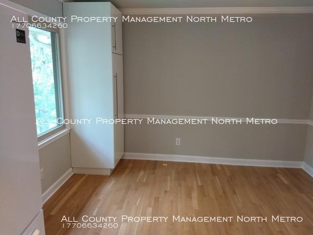 5 Bedrooms, Martin's Landing Rental in Atlanta, GA for $2,500 - Photo 2