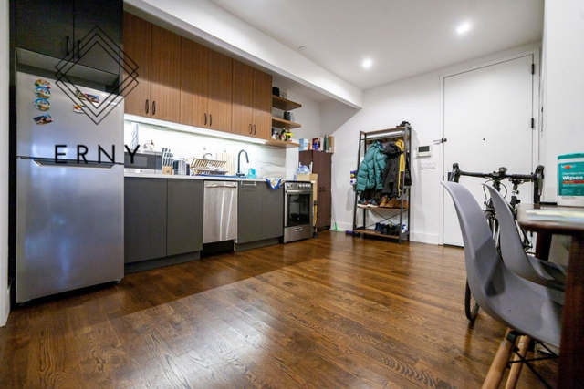 2 Bedrooms, Bushwick Rental in NYC for $2,425 - Photo 2