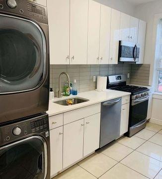 3 Bedrooms, Astoria Rental in NYC for $2,999 - Photo 1