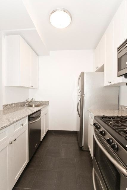 Studio, Civic Center Rental in NYC for $3,495 - Photo 2
