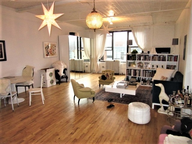 Loft, Williamsburg Rental in NYC for $3,295 - Photo 2