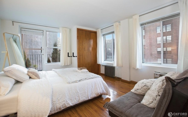 3 Bedrooms, West Village Rental in NYC for $7,150 - Photo 2