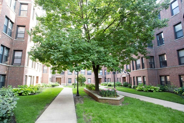 2 Bedrooms, Hyde Park Rental in Chicago, IL for $1,899 - Photo 1