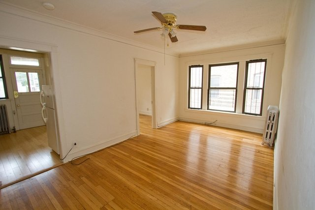 4 Bedrooms, Hyde Park Rental in Chicago, IL for $3,203 - Photo 1