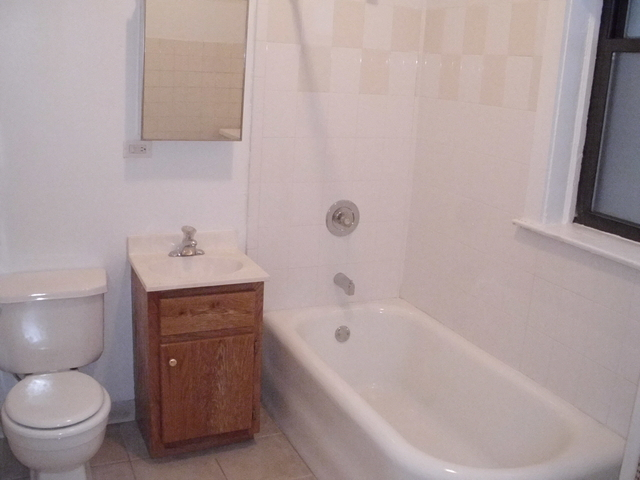 5 Bedrooms, Hyde Park Rental in Chicago, IL for $3,900 - Photo 1