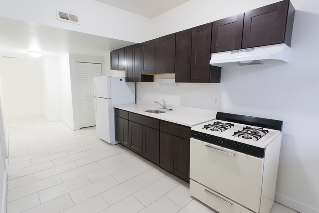 4 Bedrooms, Hyde Park Rental in Chicago, IL for $3,050 - Photo 2
