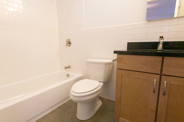 4 Bedrooms, Hyde Park Rental in Chicago, IL for $3,375 - Photo 1
