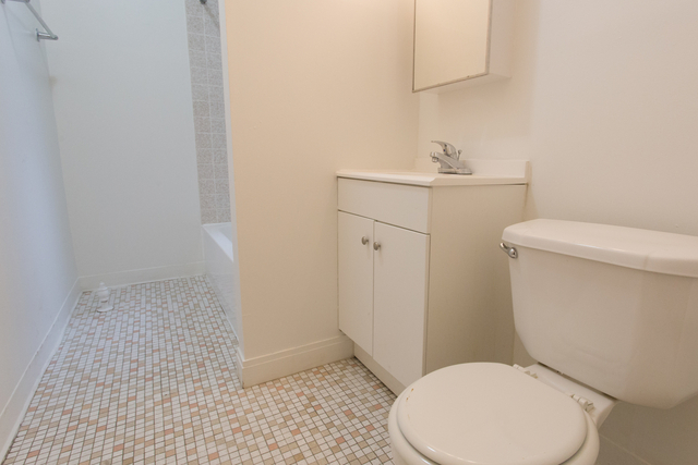 4 Bedrooms, Hyde Park Rental in Chicago, IL for $3,450 - Photo 1