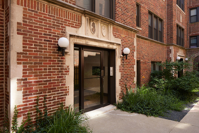 2 Bedrooms, Hyde Park Rental in Chicago, IL for $1,445 - Photo 1