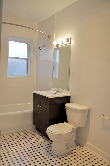 2 Bedrooms, Hyde Park Rental in Chicago, IL for $1,500 - Photo 2