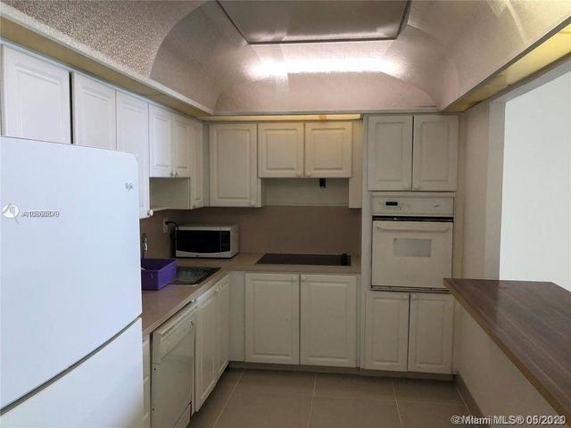 1 Bedroom, Golden Shores Ocean Boulevard Estates Rental in Miami, FL for $1,650 - Photo 2