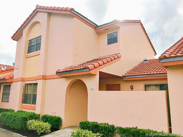 2 Bedrooms, Villa Homes at The Moors Rental in Miami, FL for $1,900 - Photo 1