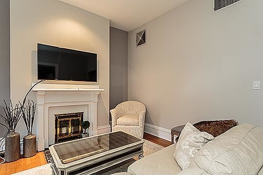 2 Bedrooms, Back Bay West Rental in Boston, MA for $3,900 - Photo 2