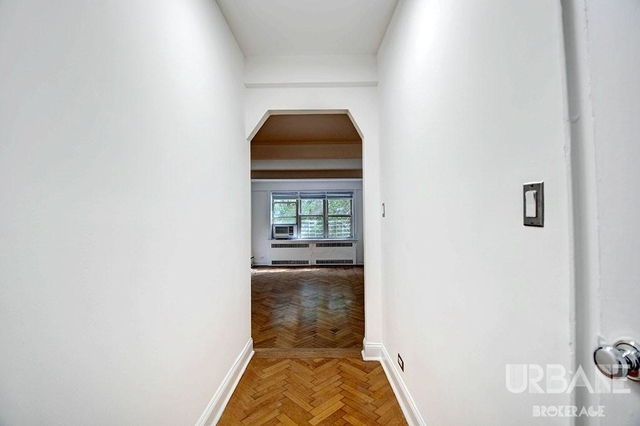 2 Bedrooms, Upper West Side Rental in NYC for $4,303 - Photo 2