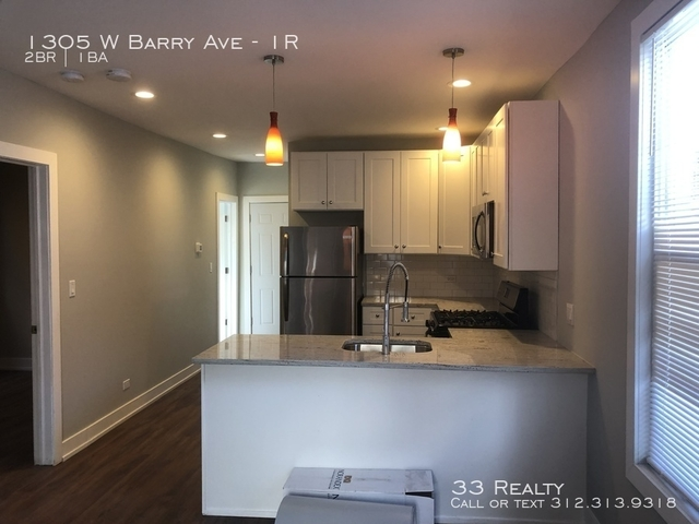 2 Bedrooms, Lakeview Rental in Chicago, IL for $2,000 - Photo 2