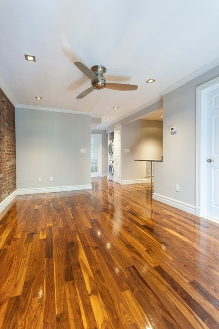 3 Bedrooms, Chelsea Rental in NYC for $7,995 - Photo 2