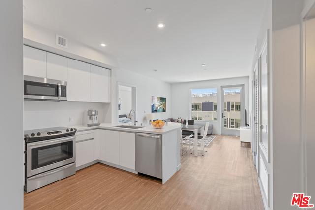 2 Bedrooms, Rancho Park Rental in Los Angeles, CA for $4,617 - Photo 1