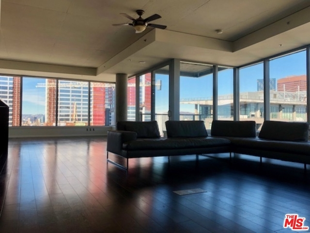2 Bedrooms, South Park Rental in Los Angeles, CA for $6,500 - Photo 2