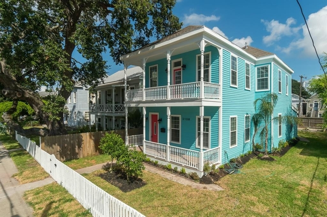3 Bedrooms, Downtown Galveston Rental in Houston for $2,300 - Photo 2