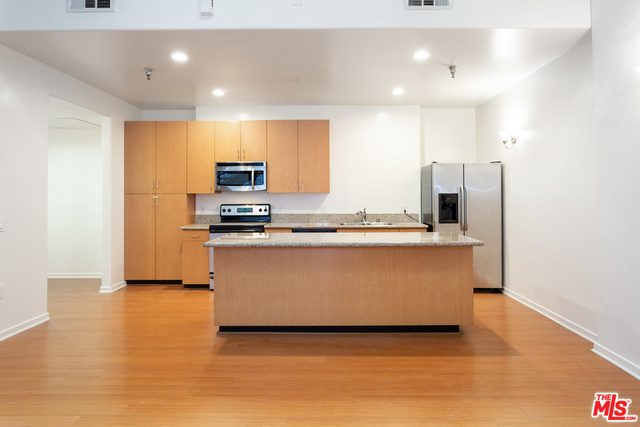 1 Bedroom, Financial District Rental in Los Angeles, CA for $2,500 - Photo 1