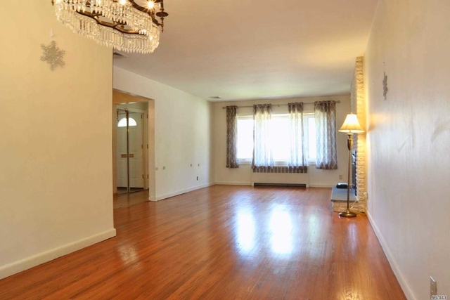 3 Bedrooms, Great Neck Rental in Long Island, NY for $4,150 - Photo 2