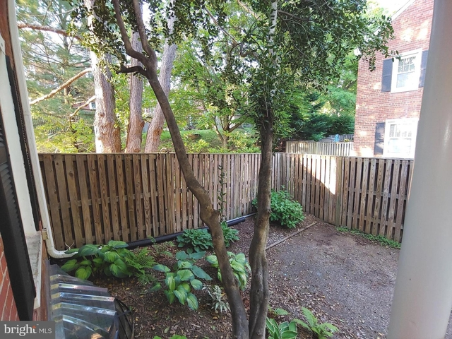 2 Bedrooms, Fairlington - Shirlington Rental in Washington, DC for $2,500 - Photo 2