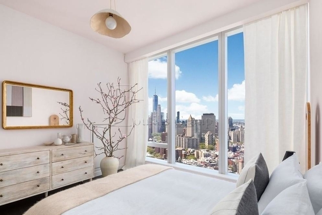 2 Bedrooms, Two Bridges Rental in NYC for $6,500 - Photo 2