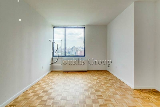 2 Bedrooms, Battery Park City Rental in NYC for $5,770 - Photo 2