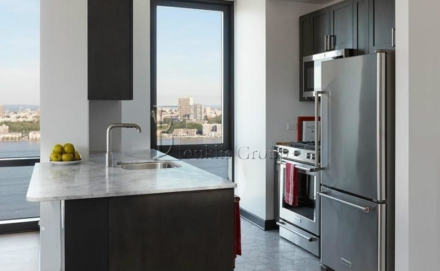 3 Bedrooms, Lincoln Square Rental in NYC for $7,150 - Photo 2