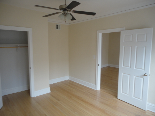 2 Bedrooms, Bowmanville Rental in Chicago, IL for $1,525 - Photo 1
