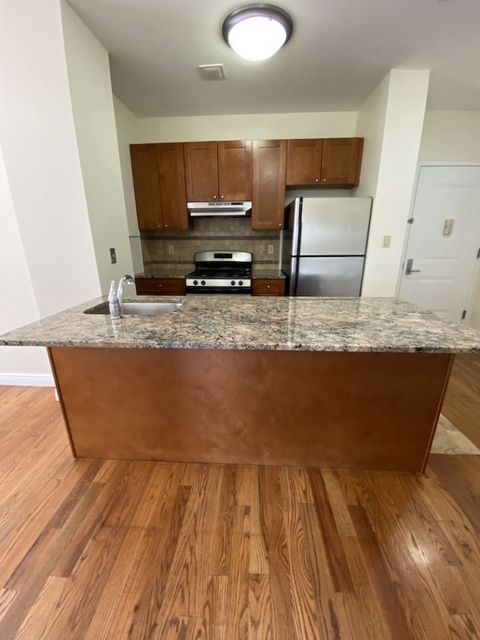 1 Bedroom, Hunters Point Rental in NYC for $2,839 - Photo 1