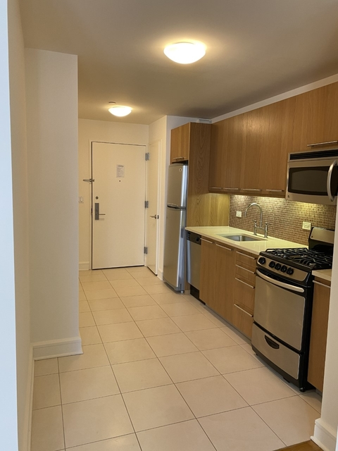 Studio, Lincoln Square Rental in NYC for $3,315 - Photo 2