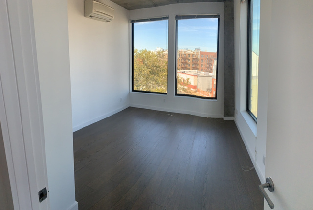 2 Bedrooms, East Williamsburg Rental in NYC for $4,900 - Photo 2