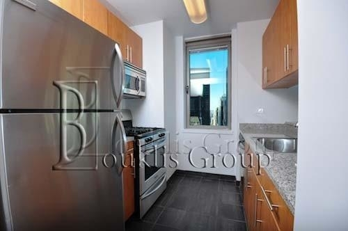 Studio, Financial District Rental in NYC for $2,834 - Photo 2