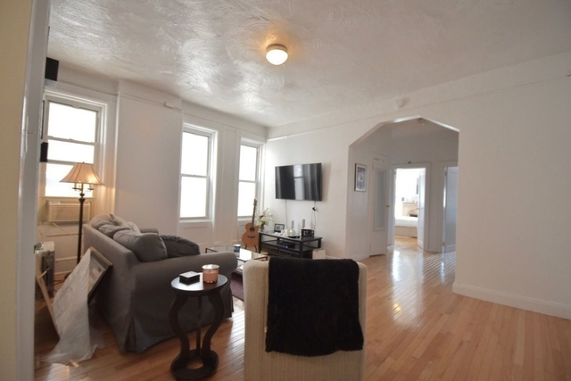 2 Bedrooms, Chelsea Rental in NYC for $3,850 - Photo 2