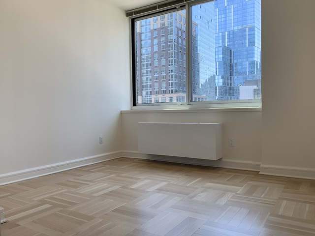 2 Bedrooms, Lincoln Square Rental in NYC for $5,790 - Photo 2