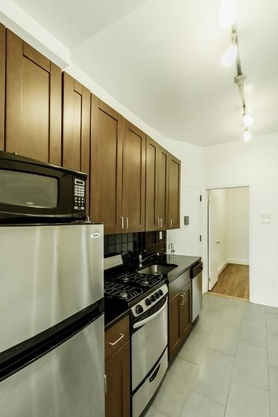 2 Bedrooms, Alphabet City Rental in NYC for $2,690 - Photo 2