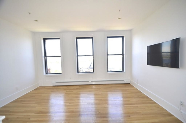 2 Bedrooms, Back Bay West Rental in Boston, MA for $3,990 - Photo 2