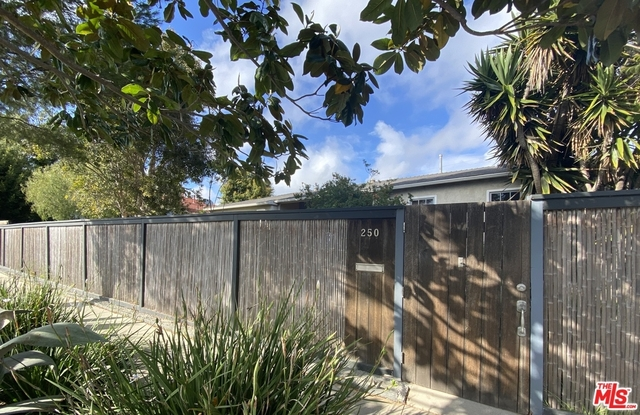 3 Bedrooms, North of Rose Rental in Los Angeles, CA for $6,500 - Photo 2