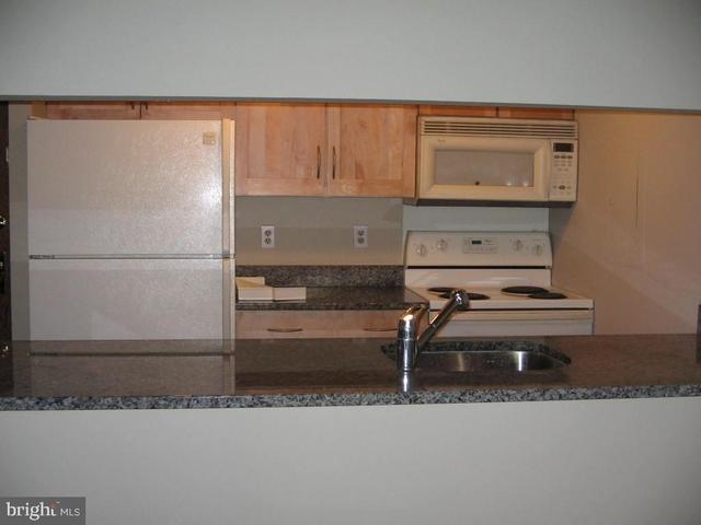 1 Bedroom, North Cleveland Park Rental in Washington, DC for $2,300 - Photo 2