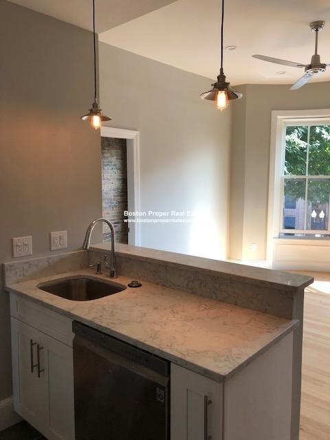 3 Bedrooms, Lower Roxbury Rental in Boston, MA for $3,900 - Photo 2