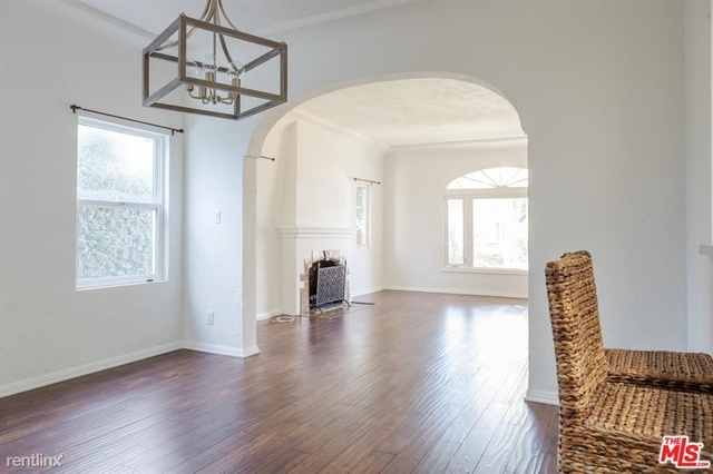 2 Bedrooms, Mid-City West Rental in Los Angeles, CA for $5,495 - Photo 1