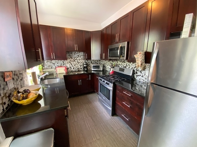 3 Bedrooms, Crown Heights Rental in NYC for $3,275 - Photo 1